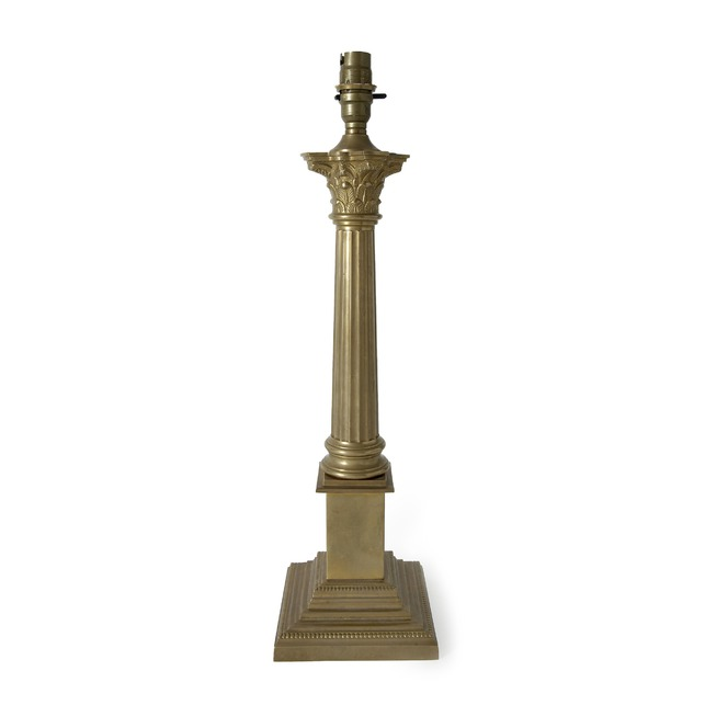 База масивна з квадратною основою Corintian (Antique Brass)