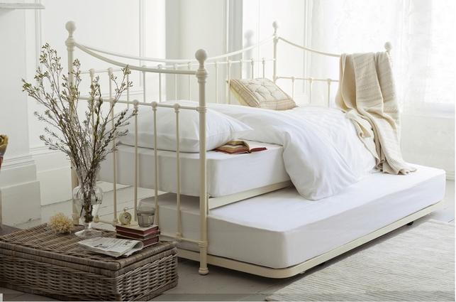 Раскладывающаяся кровать с двумя матрасами HASTINGS DAYBED 119*200*96-185 extending trundle