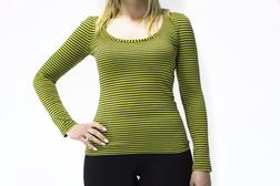 Легкая футболка ярко-зеленого цвета в горизонтальную полоску серого цвета TS 875