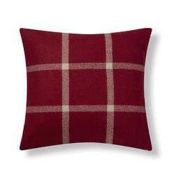 Квадратная подушка красного цвета NORTHWOOD CHECK 43*43 (Cranberry)