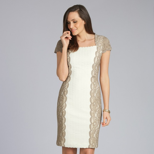 Платье кремового цвета с текстурной поверхностью и кружевом бежевого цвета MD 244