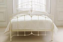 Кровать самого большого размера с матрасом PHOEBE 6FT & MATTRESS 131*186*211 (Ivory)