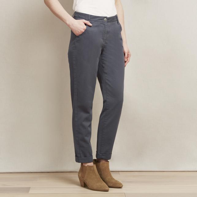 Укороченные брюки серого цвета